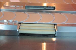 Kaiten sushi conveyor, automatic monitoring system and automatic monitoring of freshness of dishes / sushi