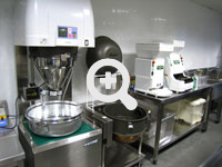 Sushi factory - who uses sushi robots, sushi machines, and sushi equipment