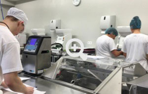 Industrial production of sushi maki rolls by AUTEC sushi robots